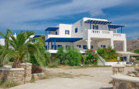 apartments-seafront-naxos