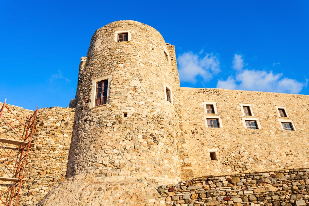 Kastro (Castle)